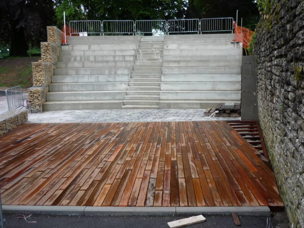 Gradins et escaliers en béton préfabriqué